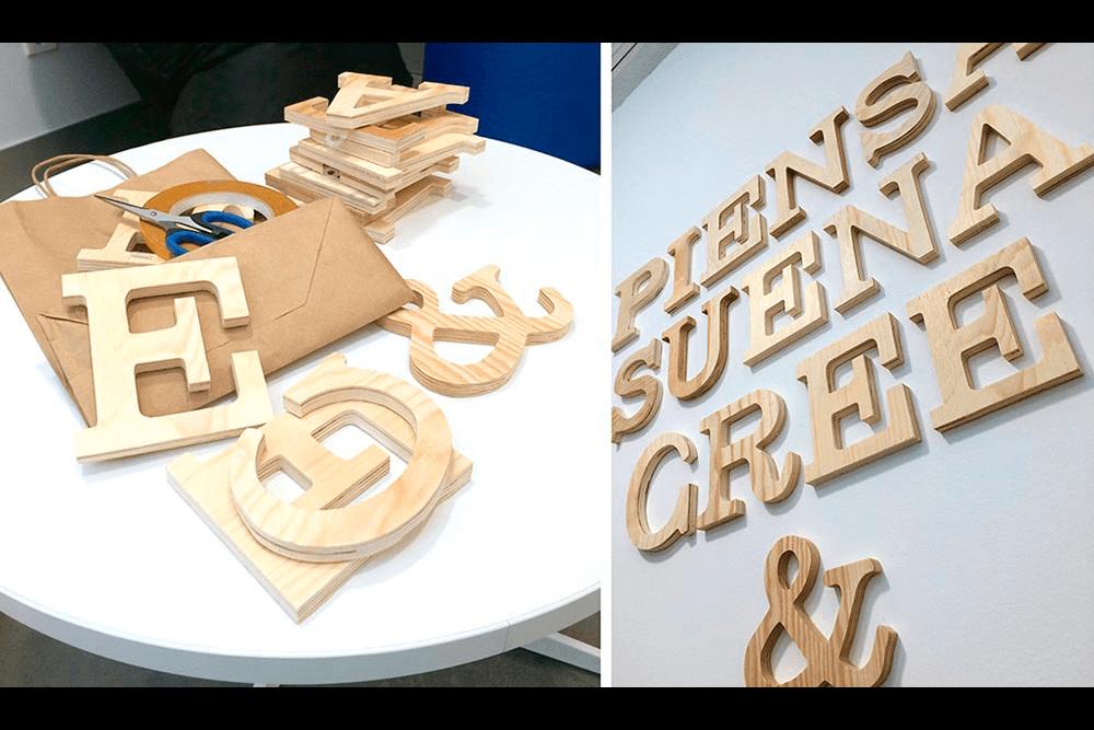 diseño de tipografías sobre foam para crear un puzzle-manifiesto